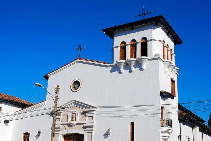 Iglesia de Santa Cruz, recién reconstruida