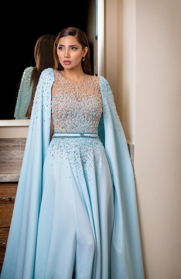 Mahira Khan looks mesmerising in blue at DIAFA 2019; see photos | PINKVILLA  | Mahira khan dresses, Mahira khan, Fashion