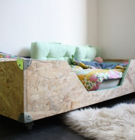 17 best images about espace salle de jeux on pinterest coins montessori an - Fabriquer un lit d enfant ...