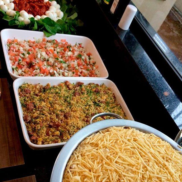 Mesa De Complementos Para O Sua Festa Evento Salada De Rucula