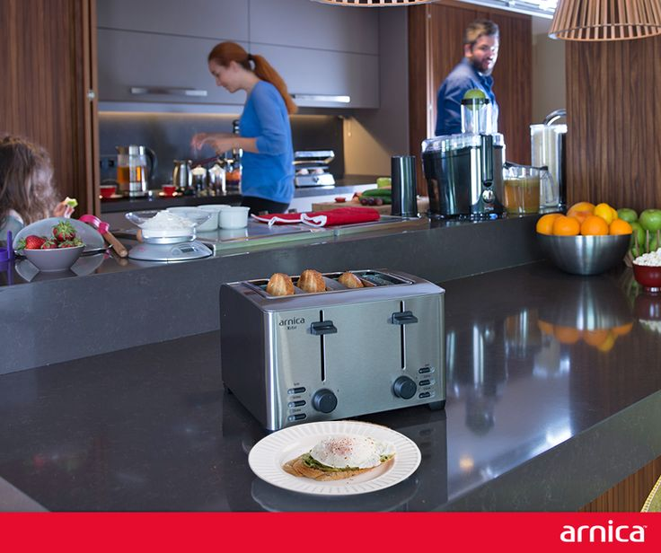Sabahlarınızın vazgeçilmezi kızarmış ekmeklerle hazırlayabileceğiniz sağlıklı tarifler, Malzemeler  2 adet yumurta 2 adet kızarmış ekmek 1 adet avokado Tuz,karabiber   Tarifi, Tencerede kaynattığımız suyun içine iki yumurtayı koyarak suyun içinde kaynatın. Arnica tost makinesi ile kızarttığınız ekmeklerin üzerine  Biraz yağ sürün ve püre haline getirdiğiniz avokadoyu ekmeğinizin üzerine sürün. Üzerine suda haşlanmış yumurtayı yerleştirin ve tuz ve karabiberinizi ekleyin. Afiyet olsun