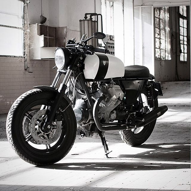 Corsaiola 02. The second in a series of 7 Moto Guzzi V75 cafe racer builds by the Italian workshop.