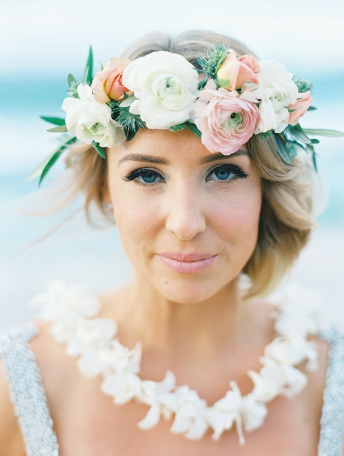 Elegant bridal makeup: http://www.stylemepretty.com/2016/07/25/dream-hawaiian-beach-elopement/ Photography: Wendy Laurel - http://www.wendylaurel.com/