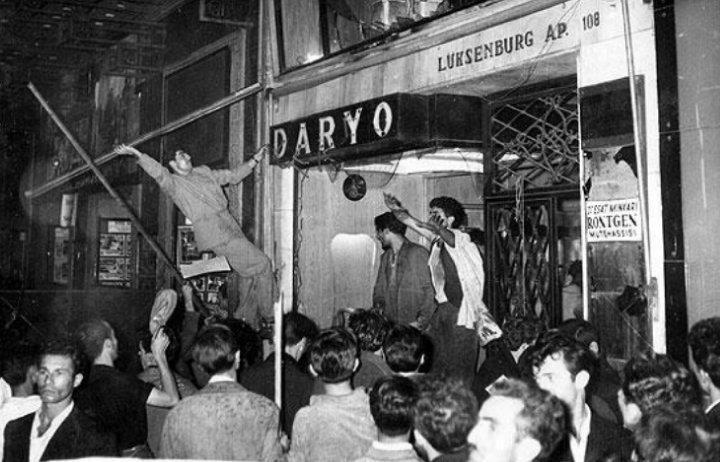 6-7 eylül olayları. 1955. Beyoğlu, Istanbul.  http://en.wikipedia.org/wiki/Istanbul_riots