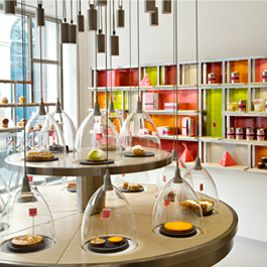 LA PÂTISSERIE DES RÊVES Desserts 93 rue du Bac , Paris, Île-de-France  +33 1 42 84 00 82    http://www.lapatisseriedesreves.com