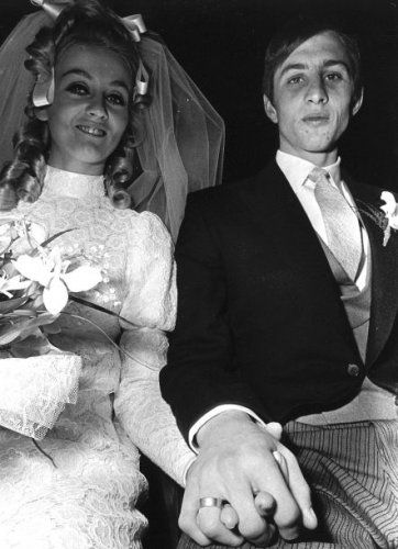 ♥ Johan Cruijff met Danny Coster, 2-12-1968.