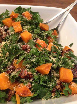 Rachelle et Coco | Salade kale, patates douces et pacanes caramélisées