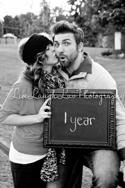 Reuse a chalkboard every year to celebrate your anniversary and send unique photos to your family.