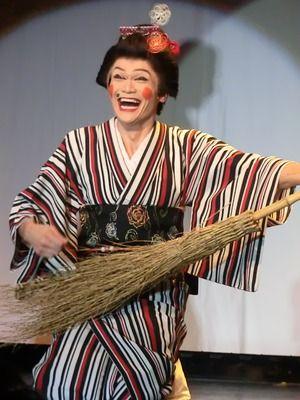 『鶴八鶴次郎』 じゃまかんばん『日本と世界の伝統写真日記』