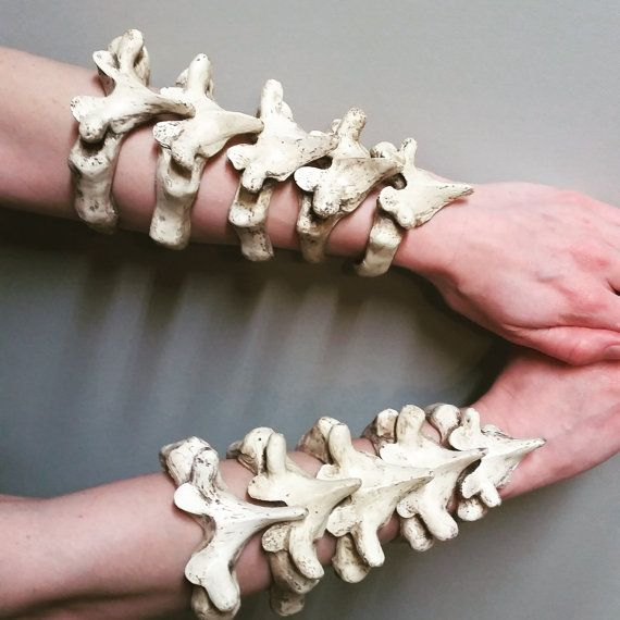 This is a listing for one vertibrae bracelet. It is made of urethane rubber, so it is flexible. Available in 5 different sizes: 6.5 7.0 7.5 8.0