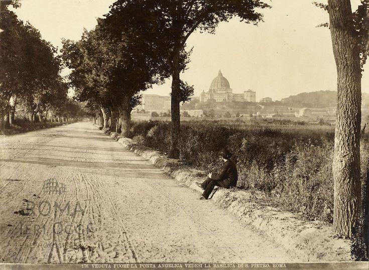 Viale Angelico (1870 ca)  Seduto sul ciglio della strada che all'epoca si chiamava Via di Porta Angelica.