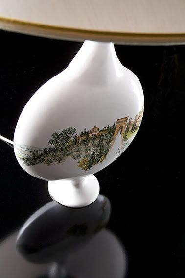 Lampada in ceramica dipinta a mano. #lampada #lamp #ceramic #handmade #umbria