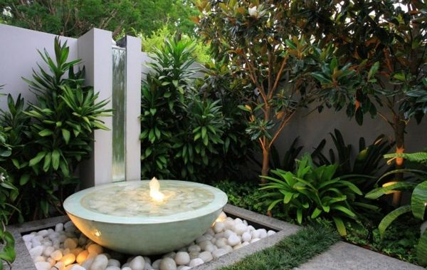 Small water feature, bowl, stone, fountain