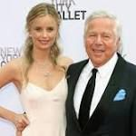 Thursday's Hot Clicks: Robert Kraft Age 76 Is Not Having a Baby With Much Younger Girlfriend http://ift.tt/2F560oM