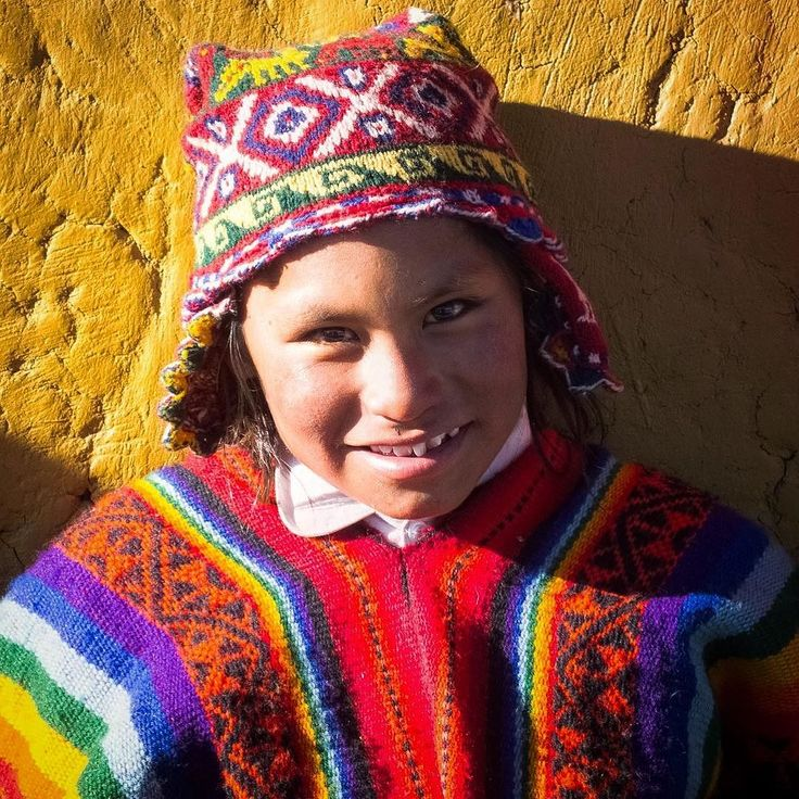 The wonderful clothing in Peru full of bright colours and patterns. This is of a local in one of the small suburbs of Cuzco.  #peru #cusco #cuscoperú #perú #peruvianfood #peruvianhair #southamerica #southamericancichlid #clothing #colour