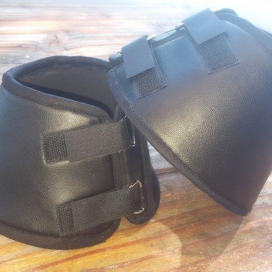 Paire de cloches en neoprene 5mm doublé simili cuir noir. Premier prototype…