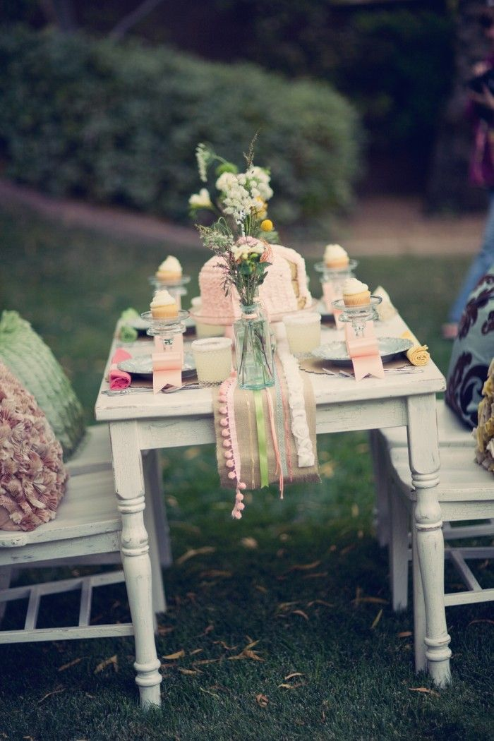1000 images about outdoor tea party table settings on - Decoracion fiesta vintage ...