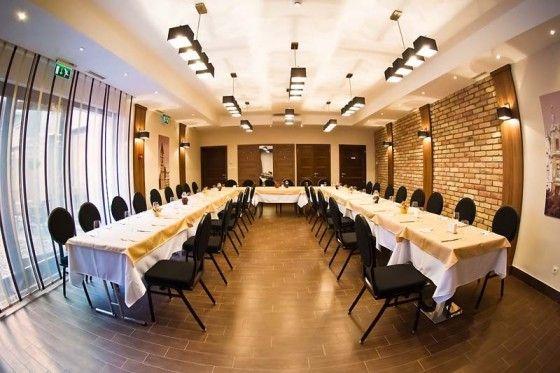 Felszerelt, igényes konferenciatermeink a találkozó sikeréért!  Konferenciatermünk ideális helyszínt szolgáltat konferenciák, meeting-ek, nagyobb létszámú összejövetelek, sajtótájékoztatók számára.  http://oliva.hu/rendezvenyek