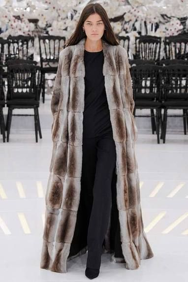 Fur Fashion Trends in Haute Couture | Fall 2014-Winter 2015 - Part 2 | FurInsider.com | Fur Fashion | Scoop.it