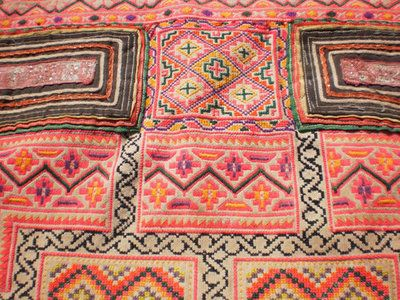 mibitacoraaldia:  Vintage Hmong Hilltribe Tribal Baby Carrier Hand by KulshiMumkin on We Heart It - http://weheartit.com/entry/48144204/via/danielarangel10