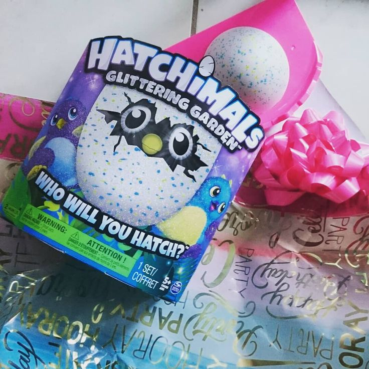 Santa Claus came!  My daughter has been requesting Hatchimals for a long time!  She was playing all day today. It seems to be fun to take care of.  From daughter to dad is a tree figure and shrek DVD set.  From daughter to mum letter set.  Thank you sooo much  サンタさん来た 娘がずっとリクエストしていたHatchimals 今日一日中遊んでた お世話するのが楽しいらしい 娘からパパへは木製ツリーとシュレックDVDセット 娘からママへはレターセット ありがとうううぅ   #hatchimals  #うまれてウーモ #笑い声かわいい #5才くらいが対象年齢かな #サンタさんクッキー瓶ごともってって #くれてありがとう #サンタさん大好きだって #子供の笑顔でハッピー #こんなにクリスマス楽しんだの初めてかも私…