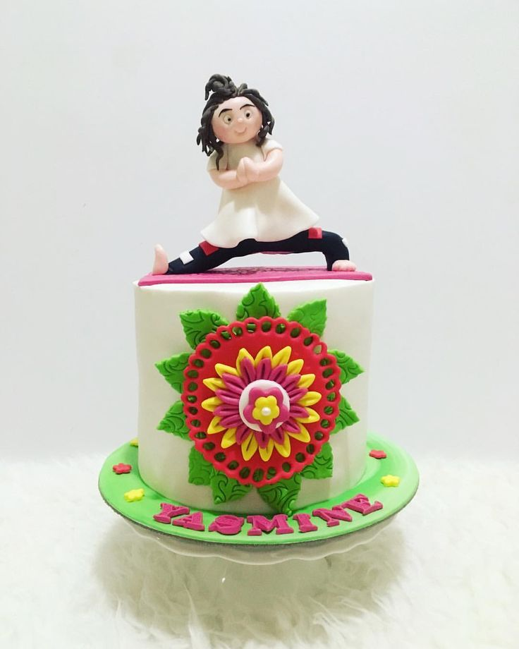 "YOGA THEME CAKE 39 Likes, 3 Comments - Sunshines_Sweettooth (@sunshines_sweettooth) on Instagram: ""I'm always challenged by figures, i knew that i've got tons to improve, and slowly but surelt, i'll…"
