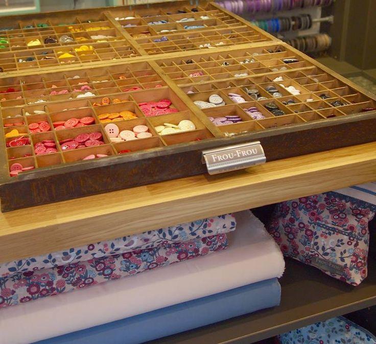 1000 images about boutiques et corner frou frou mercerie contemporaine on pinterest paris. Black Bedroom Furniture Sets. Home Design Ideas