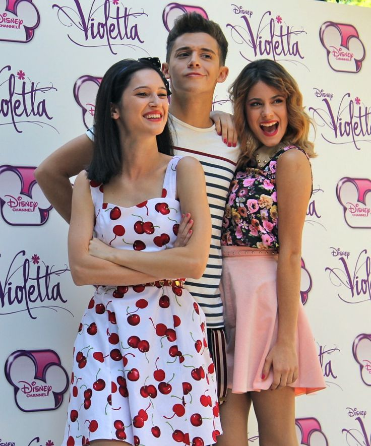 Martina Stoessel with friends from violetta