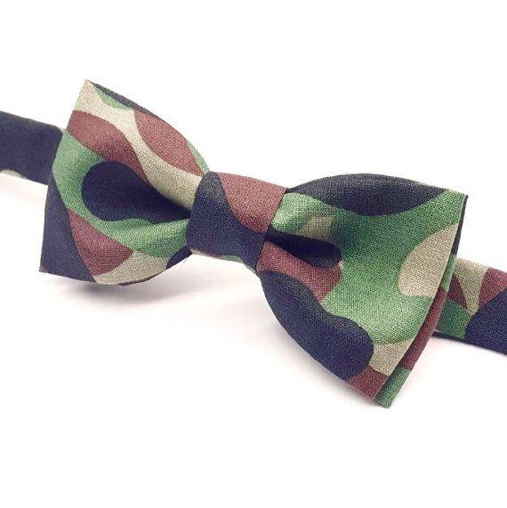 Camouflage Bow tie,  Green Camo Bow tie, Camo Wedding idea by FlyTiesforFlyGuys