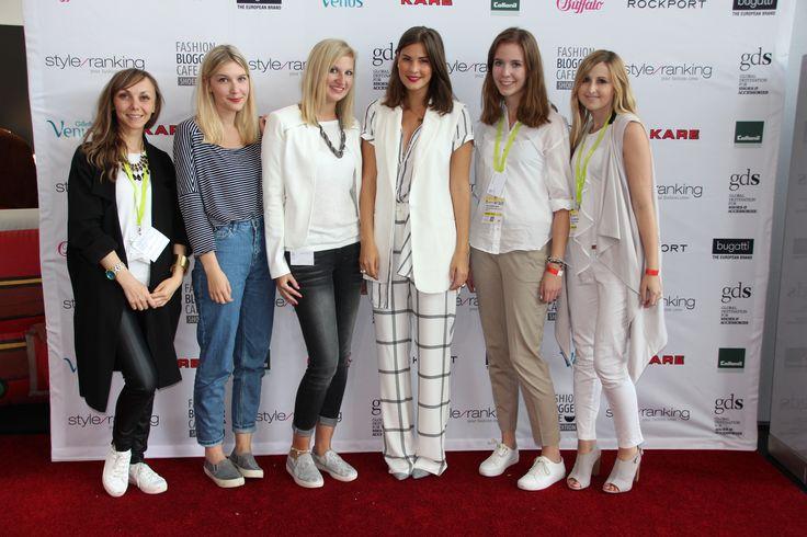 Klick dich durch alle Looks der Blogger-Gäste des 3. FashionBloggerCafé shoedition auf der GDS im Juli 2015 - mit Blogger-Testimonial Nina alias Fashiioncarpet. Bild 1 von 26