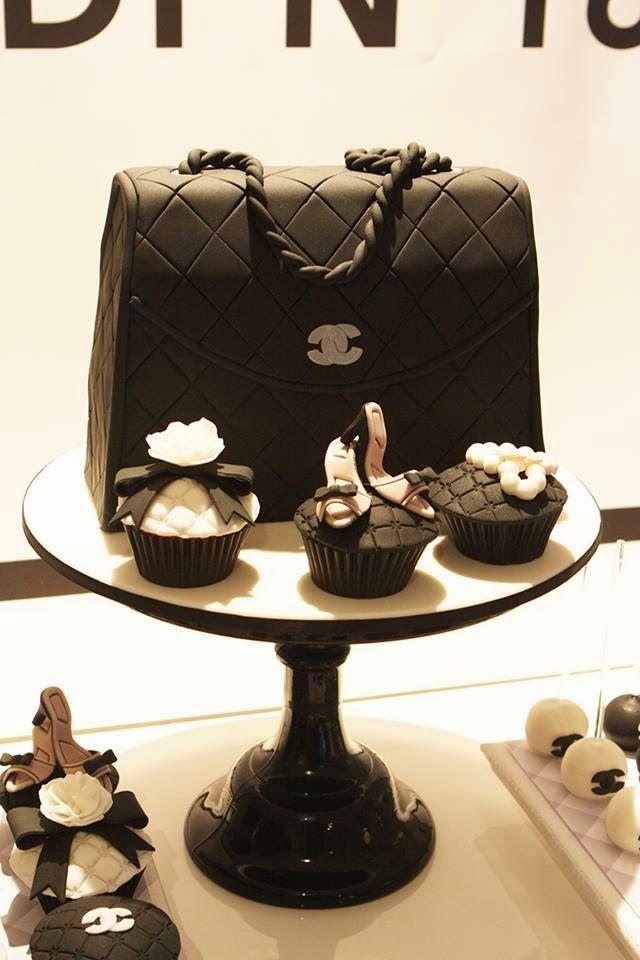 Black Chanel bag cake, Chanel cupcakes