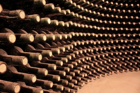 a wine cellar is definitely on the list of must-haves: Wine, Corked Bottle, 36 527 Bottles, Wine News, Bordeaux Wine, Corks Bottles, Wine World S, Wine Cellars, Investment