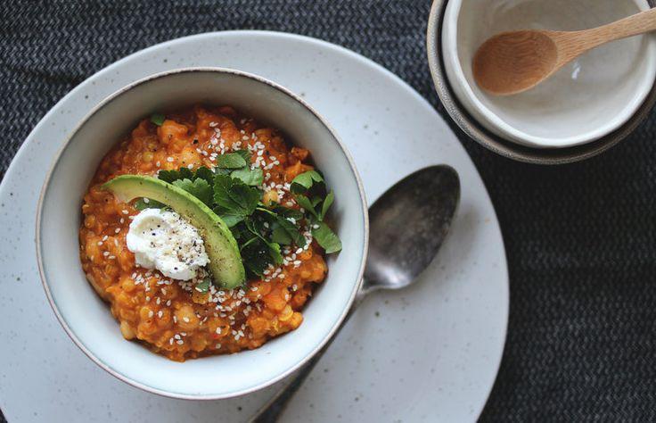 Indisk daal med søtpotet & kikerter — Happy Food Stories