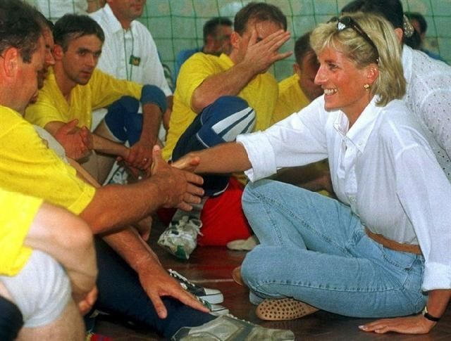 charity work princess diana doing what she believed in
