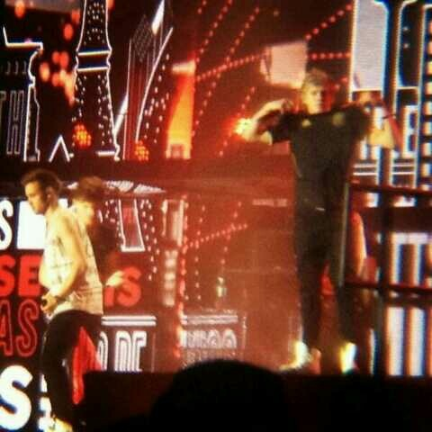 Niall Louis Liam on stage. Mexico show