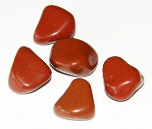 Le pouvoir des pierres : les vertus du jaspe rouge