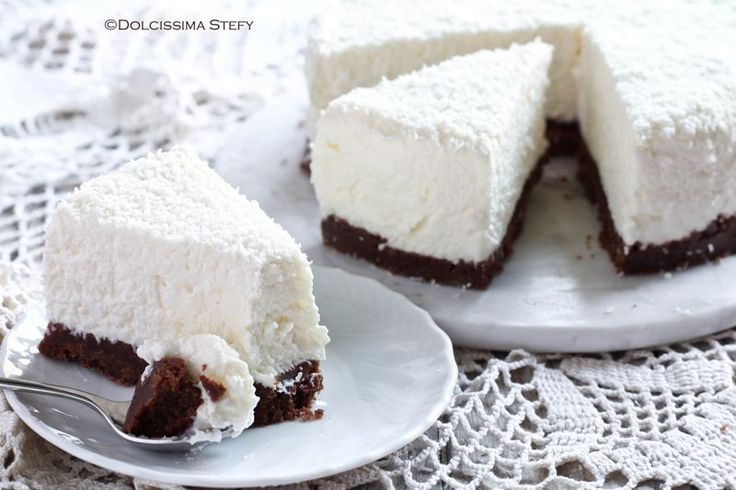 La Cheesecake al Cocco è un dolce estivo e goloso. Facile da realizzare e con ingredienti semplici. Perfetto in qualsiasi occasione.