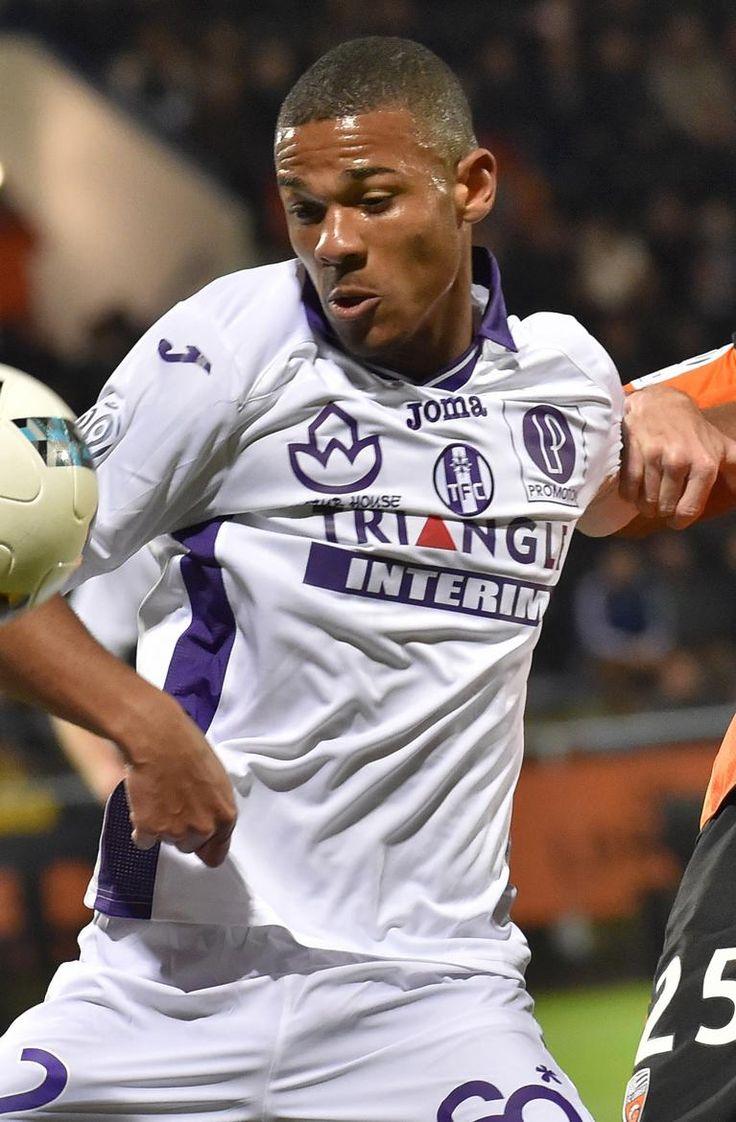 FOOTBALL SPORT éTUDES me tous les ans les clubs de Ligue 1 ont annoncé les résultats de leurs jeunes pousses lors des épreuves du baccalauréat