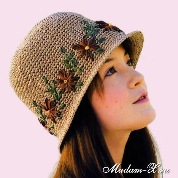 Летняя вязаная шляпка крючком