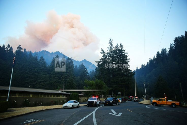 HOOD RIVER, OR/September 3, 2017 (AP)(STL.News) — Two busloads of hikers in Oregon were reunited with their friends and family Sunday morning after they were forced to spend the night in the mountains east of Portland when a wildfire closed their t...