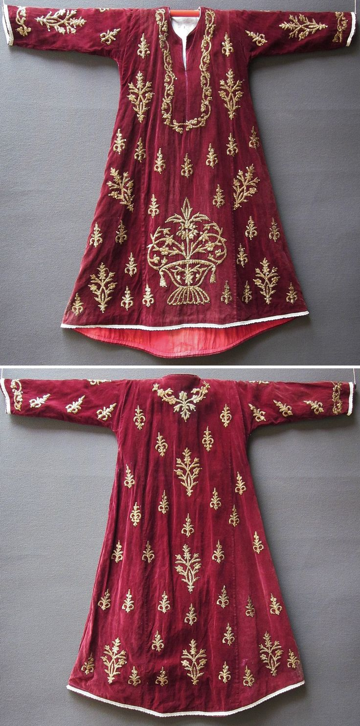Front & rear of a traditional festive / ceremonial robe in late-Ottoman style, called 'bindallı entari' (= robe, adorned with goldwork in 'Maraş işi' technique). From Central Anatolia, ca. 1925. Golden metal thread and metallic sequins on velvet. Purchased in Ankara, in 1994. (Inv.n° bin002 - Kavak Costume Collection -Antwerpen/Belgium).
