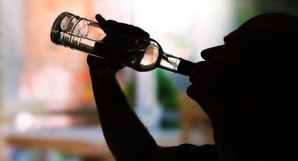 Pemabuk Tobat Jadi Ulama (ToubatanNasuha) AkuIslam.Id - Sebelum menjadi ulama ternama pada zamannya Al Qa'nabiy merupakan seorang pecandu minuman keras. Suatu hari setelah mendengar seorang ahli medis menasihatinya Al Qa'nabiy pun memutuskan untuk bertobat. Berikut kisahnya.  Ilustrasi  Sebelum menjadi ulama dulunya Al Qa'nabiy suka mabuk-mabukan. Betapa tidak sehari-hari kegiatannya selalu dihabiskan dengan minum minuman keras. Bahkan di kalangan pemuda setempat Al Qa'nabiy dikenal sebagai…