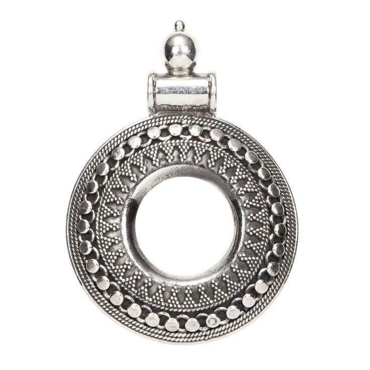 Pandantiv cerc decupat în interior, argint, India