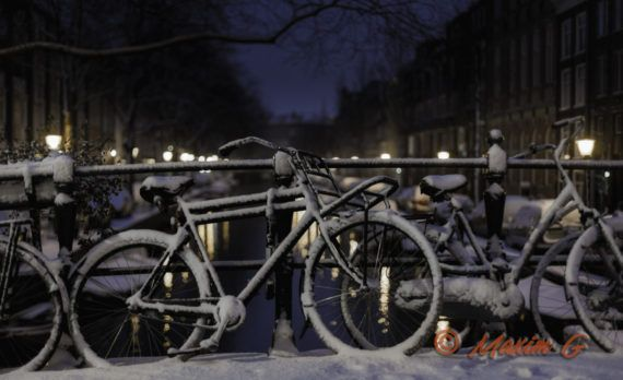 amsterdam bikes bridge snow winter  canals nightphotography