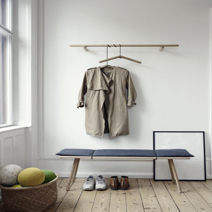 Skagerak - Georg Bank, Garderobe, Kleiderbügel, Eichenholz