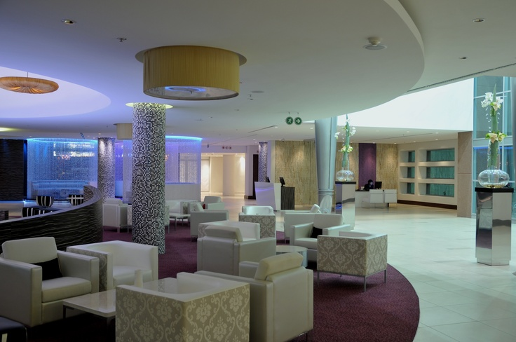 Hotel - Crowne Plaza Johannesburg - The Rosebank - Our various lounge areas in our lobby to accommodate all our guests and corporate clientele.
