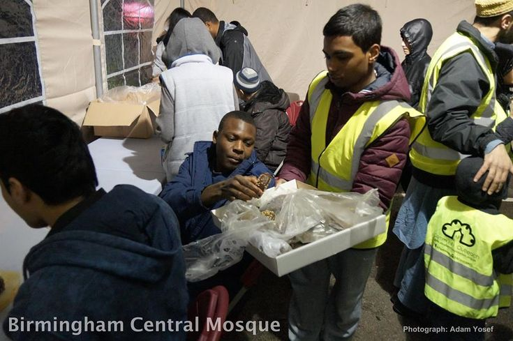 Following huge success at Christmas a British Muslim charity has set up a permanent food bank with the help of Birmingham Central Mosque for the homeless all year round! More here: