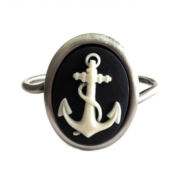 Anchor Cuff Ivory/Navy