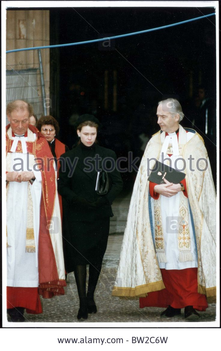 17th february 1993 lady sarah armstrong jones now lady for Rosier princesse d orient