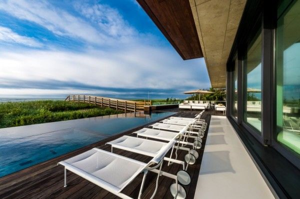 Luxury Patio Furniture from Luxury House Design Ideas with Amazing Exterior Innovation by Blaze Makoid Architecture 600x398 Luxury House Design Ideas with Amazing Exterior Innovation by Blaze Makoid Architecture